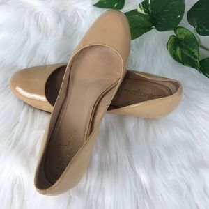 Cole Haan Wedge Slip Ons Patent Leather SZ 8B